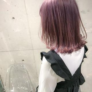ブリーチ ピンク ハイトーン ミディアム ヘアスタイルや髪型の写真・画像