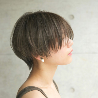 小顔 ハイライト ナチュラル パーマ ヘアスタイルや髪型の写真・画像