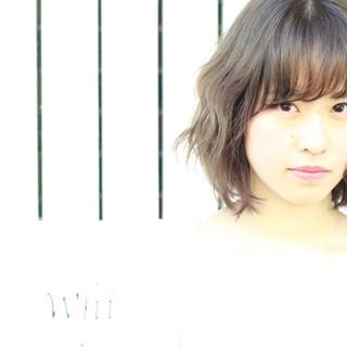 ピュア ミディアム ハーフアップ ナチュラル ヘアスタイルや髪型の写真・画像