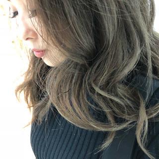 上品 外国人風カラー グレージュ ネイビーアッシュ ヘアスタイルや髪型の写真・画像 ヘアスタイルや髪型の写真・画像