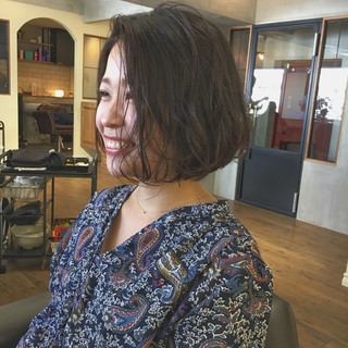 ナチュラル 色気 リラックス 黒髪 ヘアスタイルや髪型の写真・画像