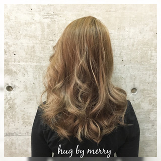 ハイライト ブラウン ミディアム アッシュ ヘアスタイルや髪型の写真・画像