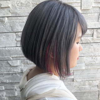 シルバーグレー インナーカラー ストリート 透明感カラー ヘアスタイルや髪型の写真・画像
