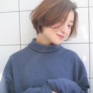 ショート 小顔 大人かわいい ナチュラル ヘアスタイルや髪型の写真・画像