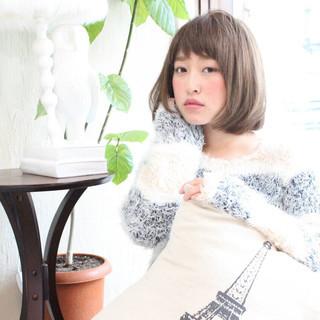 外国人風 ベース型 暗髪 丸顔 ヘアスタイルや髪型の写真・画像