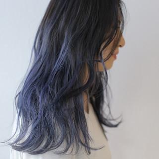 セミロング ブルーグラデーション ストリート 透明感カラー ヘアスタイルや髪型の写真・画像