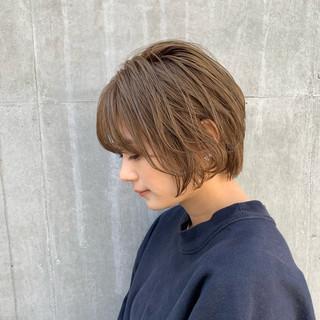 ショートボブ ショートヘア シアーベージュ ワンカールパーマ ヘアスタイルや髪型の写真・画像