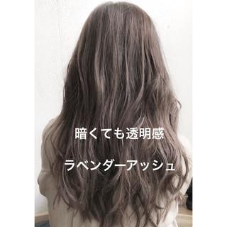 ラベンダーアッシュ デジタルパーマ イルミナカラー ナチュラル ヘアスタイルや髪型の写真・画像