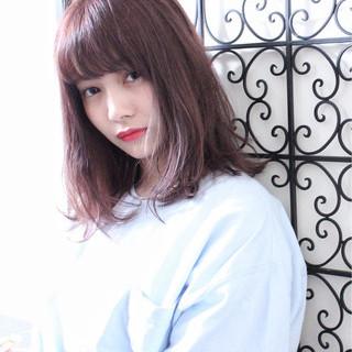 秋 ピンクアッシュ ミディアム レッド ヘアスタイルや髪型の写真・画像