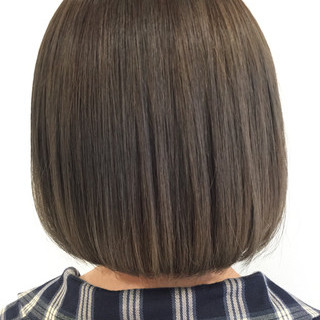 アッシュグレージュ タンバルモリ 切りっぱなし ボブ ヘアスタイルや髪型の写真・画像