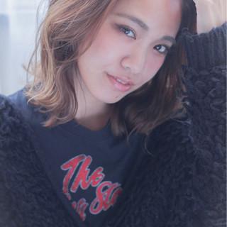 ミディアム 外ハネ 大人女子 ストレート ヘアスタイルや髪型の写真・画像 ヘアスタイルや髪型の写真・画像