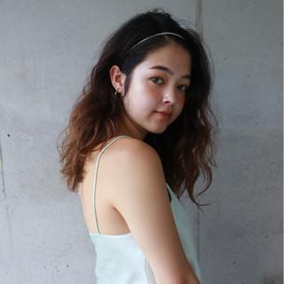 パーマ 簡単ヘアアレンジ セミロング スポーツ ヘアスタイルや髪型の写真・画像 ヘアスタイルや髪型の写真・画像
