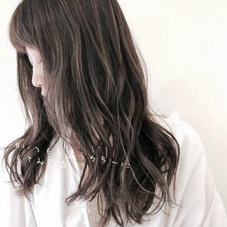 ナチュラル ハイライト ミディアムヘアー ミディアムレイヤー ヘアスタイルや髪型の写真・画像