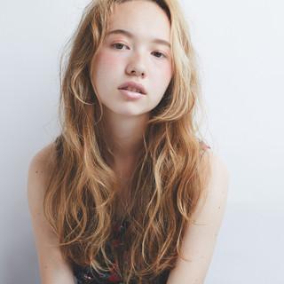 アンニュイほつれヘア デート ガーリー 外国人風 ヘアスタイルや髪型の写真・画像