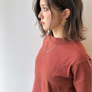 エレガント 波ウェーブ 派手髪 秋冬スタイル ヘアスタイルや髪型の写真・画像