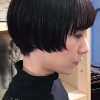 ミニボブ 前髪パッツン ショートボブ ショート ヘアスタイルや髪型の写真・画像