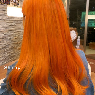 アプリコットオレンジ ブリーチ必須 ロング モード ヘアスタイルや髪型の写真・画像 ヘアスタイルや髪型の写真・画像