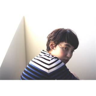 ストリート ショート 暗髪 束感 ヘアスタイルや髪型の写真・画像