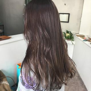 ベージュ アッシュ ハイライト グレー ヘアスタイルや髪型の写真・画像