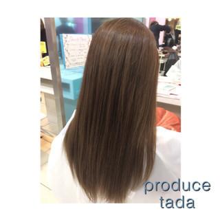 スモーキーアッシュ ガーリー マット ロング ヘアスタイルや髪型の写真・画像
