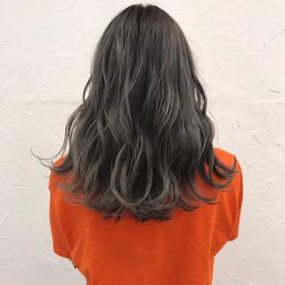 セミロング フェミニン 透明感 外国人風 ヘアスタイルや髪型の写真・画像
