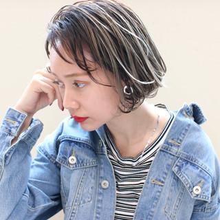 グレージュ アンニュイほつれヘア ボブ パーマ ヘアスタイルや髪型の写真・画像