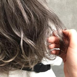 ハイライト バレイヤージュ 透明感 ミディアム ヘアスタイルや髪型の写真・画像