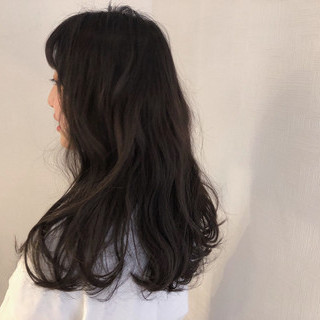 ヘアアレンジ アンニュイほつれヘア セミロング カーキアッシュ ヘアスタイルや髪型の写真・画像