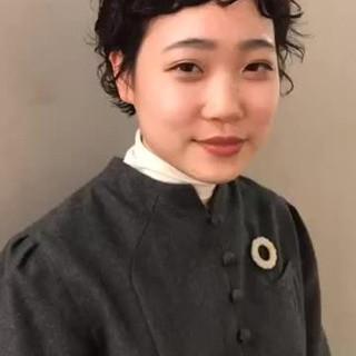 ナチュラル パーマ 外ハネ ショート ヘアスタイルや髪型の写真・画像