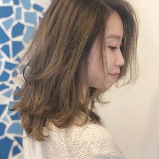大人ハイライト ミディアム ウルフカット ストリート ヘアスタイルや髪型の写真・画像