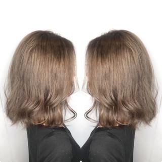 大人ハイライト エレガント グレージュ アッシュグレージュ ヘアスタイルや髪型の写真・画像
