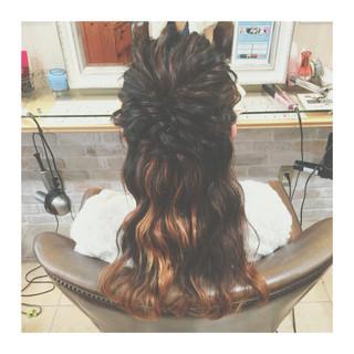 簡単ヘアアレンジ セミロング ハイライト ゆるふわ ヘアスタイルや髪型の写真・画像