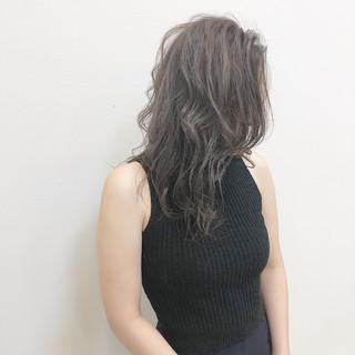ナチュラル グレージュ セミロング ラベンダー ヘアスタイルや髪型の写真・画像 ヘアスタイルや髪型の写真・画像