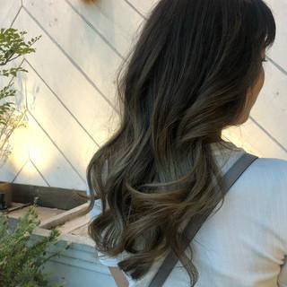 バレイヤージュ グラデーションカラー エレガント 外国人風カラー ヘアスタイルや髪型の写真・画像
