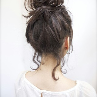 ゆるふわ ヘアアレンジ ミディアム アッシュ ヘアスタイルや髪型の写真・画像