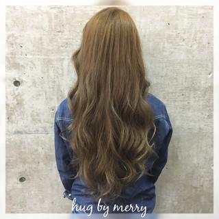 ロング ガーリー 外国人風 ハイライト ヘアスタイルや髪型の写真・画像