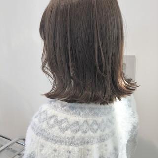 モカベージュ 切りっぱなしボブ フェミニン アンニュイほつれヘア ヘアスタイルや髪型の写真・画像