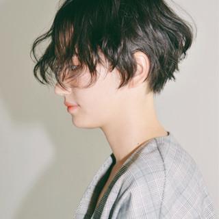 ショート モード ジェンダーレス ヘアスタイルや髪型の写真・画像