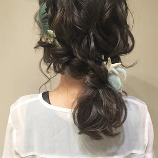 パーティ ローポニーテール ヘアアレンジ ナチュラル ヘアスタイルや髪型の写真・画像 ヘアスタイルや髪型の写真・画像