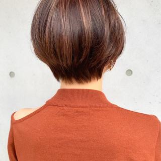 ボブ インナーカラー ショートヘア ナチュラル ヘアスタイルや髪型の写真・画像