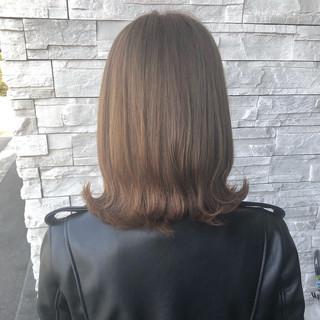 透明感カラー ミディアム ミルクティーベージュ モード ヘアスタイルや髪型の写真・画像
