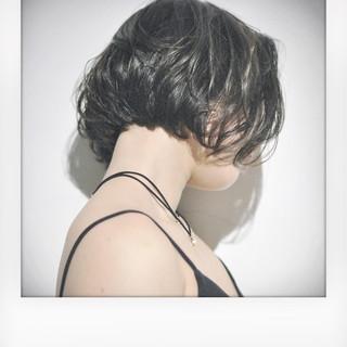 ショート モード ボブ 丸顔 ヘアスタイルや髪型の写真・画像