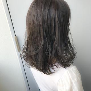 ミディアム 夏 グレージュ ヘアアレンジ ヘアスタイルや髪型の写真・画像