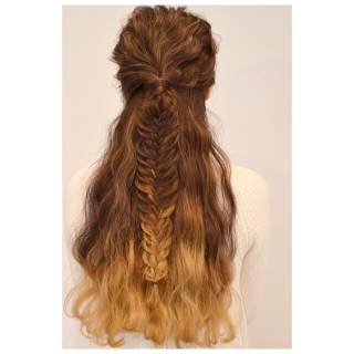結婚式 三つ編み ロング ナチュラル ヘアスタイルや髪型の写真・画像