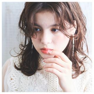 グレージュ ショコラブラウン ミディアム デート ヘアスタイルや髪型の写真・画像