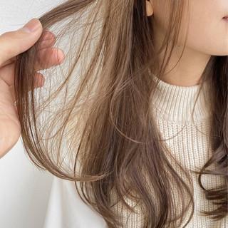 ダブルカラー ショートボブ ナチュラル 切りっぱなしボブ ヘアスタイルや髪型の写真・画像