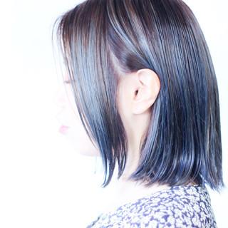 ミディアム 大人ハイライト ナチュラル ネイビーアッシュ ヘアスタイルや髪型の写真・画像