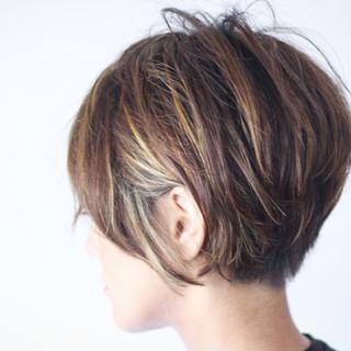ベリーショート ナチュラル ハイライト 3Dハイライト ヘアスタイルや髪型の写真・画像