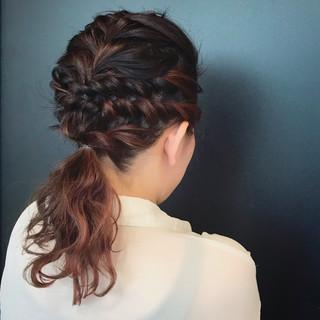 成人式 ツイスト ガーリー 編み込み ヘアスタイルや髪型の写真・画像