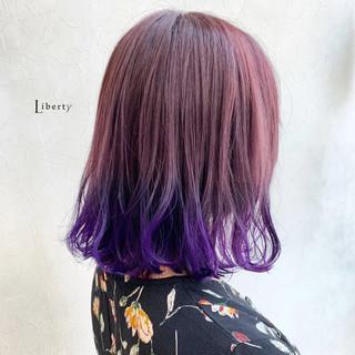 ピンクバイオレット ベリーピンク ミディアム バイオレットカラー ヘアスタイルや髪型の写真・画像